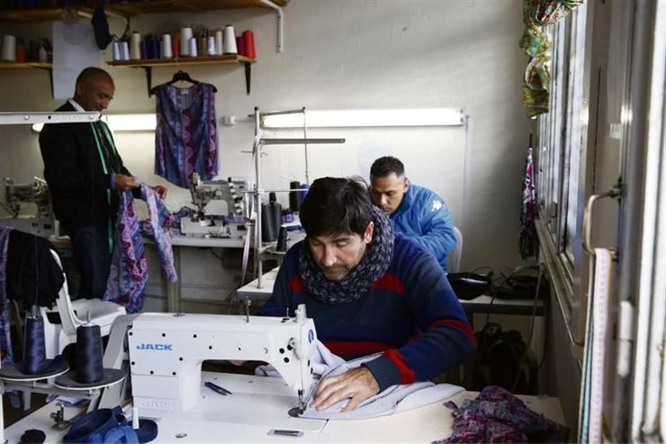 NUEVA VIDA Tras años de encierro, armaron una cooperativa textil y viven de su trabajo